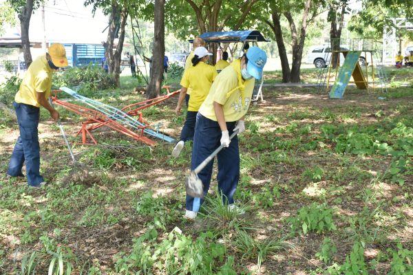 กองบิน ๒๑ จัดกิจกรรมจิตอาสาพัฒนาความสะอาดสภาพแวดล้อม และบำรุงรักษาต้นไม้